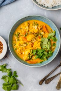 cauliflower coconut curry in a bowl